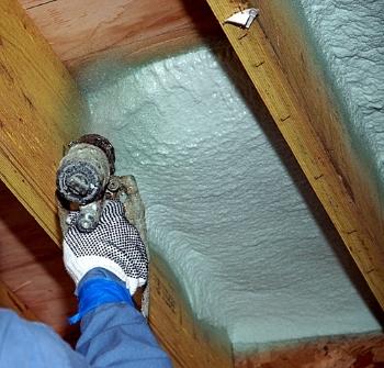 applying_spray_foam_insulation_1000x957_1